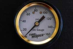 RV tire pressures gauge